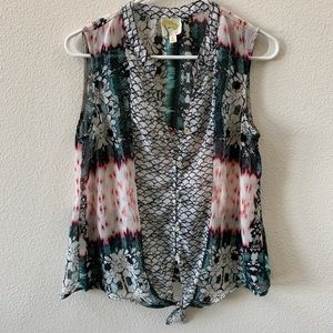 Fig and Flower sleeveless tie front blouse